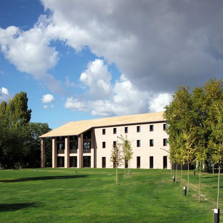 h-campus_img-04-1024x1024